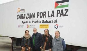 Parte hacia el Sáhara el camión de alimentos de Caravana por ...