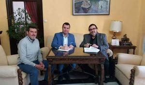 El Ayuntamiento de Priego firma el contrato para revisar el  ...